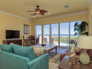 Playa Paraiso- PRIVATE 3 level townhome w/ POOL & breathtaking VIEWS of ocean!