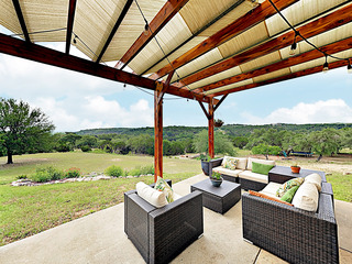 New Listing! Hill Country Bliss w/ Big Backyard