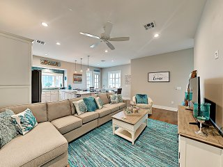 Third Coast Charm: New Townhome Near Beach w/ Pool