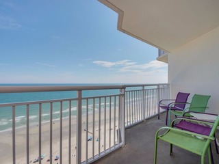 Wide-Open Oceanfront Views! 18 Pools/Spas!