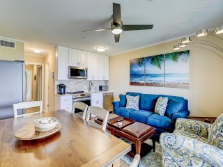 New Listing! Updated Condo- 25 Yards to Beach