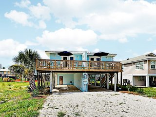 New Listing! Remodeled Beach Retreat w/ 2 Units