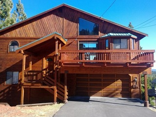 Tahoe Donner Paradise w/ Hot Tub- Near Skiing