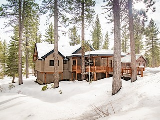 State Of The Art Cabin | Mins from DT Truckee & Ski Resorts ❤