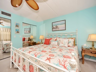 PERFECT BEACH GET AWAY! VERY SPACIOUS 2BD/2BA, NON SMOKING, 3 HDTV'S, FREE,FRE