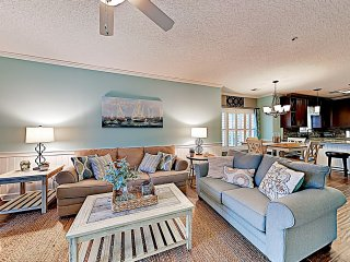 New Listing! Pristine Condo w/ Pool & Patio