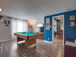 Completely Renovated 3 bedroom home with Pool Table