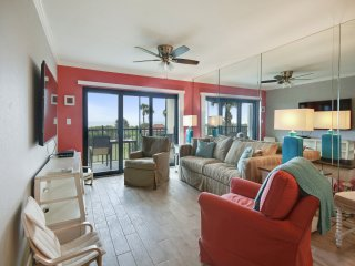 Land's End #205 building 7- GORGEOUS Updates / Beachfront