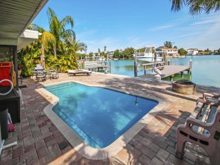 Manatee Home Private POOL Home / On Waterway!