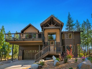 New Listing! New Mountain-View Haven w/ Balcony