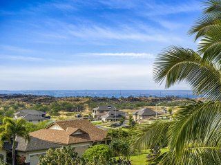 Exceptional Value for Family! Beautiful Views, Sunsets & Minutes from the Beach!
