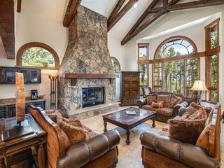 Boulder Ridge Retreat