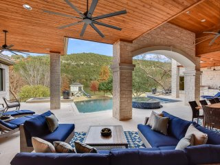 THE ARRIVE RIDGEVIEW ESTATE ON LAKE AUSTIN
