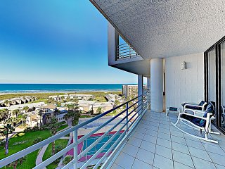 New Listing! Posh Condo w/ Pool- Steps to Beach