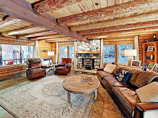 New Listing! Log Cabin Near Tahoe Donner Amenities