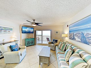 New Listing! Gulf Front Condo w/ Water View & Pool