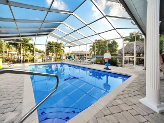 Apollo Beach Home w/ Pool, Room To Entertain, Pet Friendly!