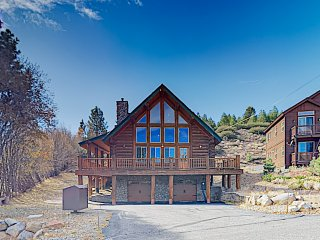 The Ponderosa: Gorgeous Custom-Built Log Home