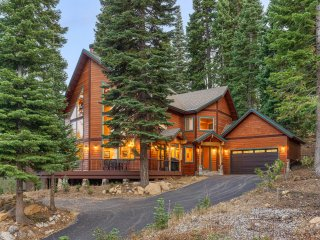 New Listing! Elegant Home, Tahoe Donner Amenities