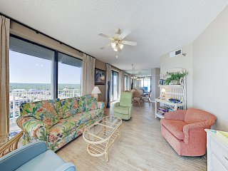 New Listing! Beachfront Corner Unit w/ Pools