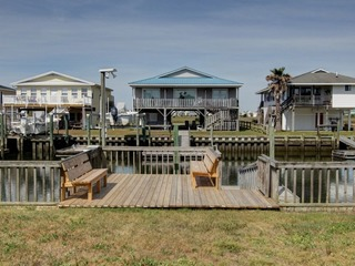 Do-Little Dock at Holden Beach