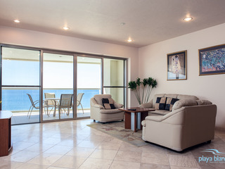 3 Bedroom Condo Playa Blanca 1009