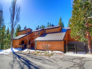 Tahoe City Condo in The Villas - image