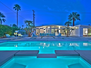 Palm Springs Stunner
