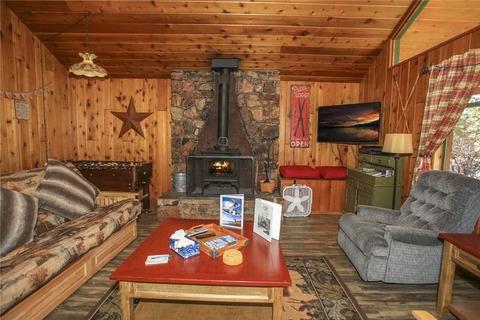 Bear Cub Vacation Rental in Big Bear - RedAwning