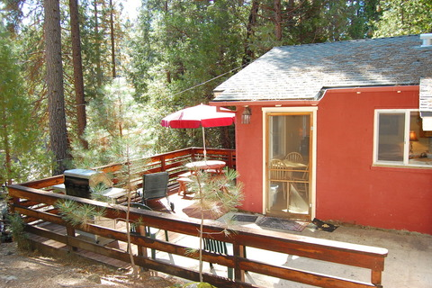 Cabin #65 Sparrows Nest Vacation Rental in Yosemite - RedAwning