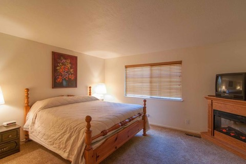 Pettingell - LFG 98 Vacation Rental in Tahoe City - RedAwning