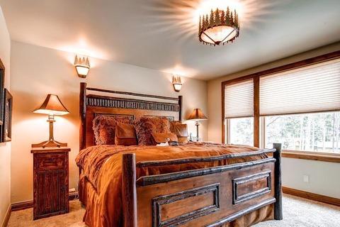 Tatonka Lodge Vacation Rental in Breckenridge - RedAwning