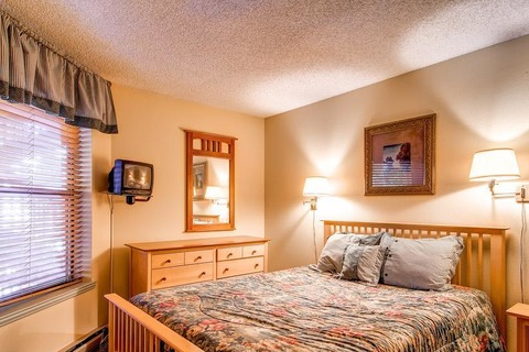 Tyra Summit B1E Vacation Rental in Breckenridge - RedAwning