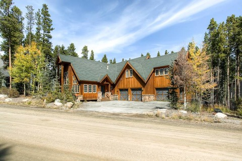 Villa Anozira Vacation Rental in Breckenridge - RedAwning