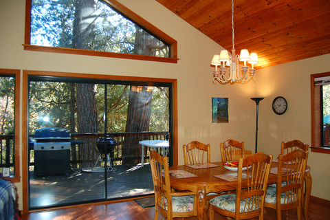 Cabin #5N Edmund's Place Vacation Rental in Yosemite - RedAwning