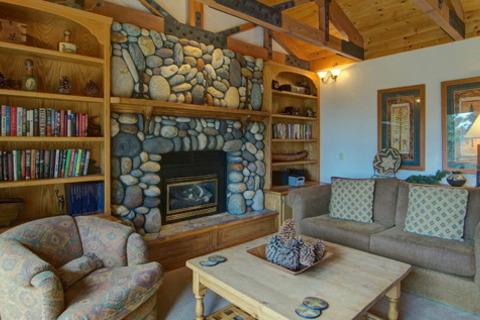 Tahoe North Shore Getaway Vacation Rental in Incline Village - RedAwning
