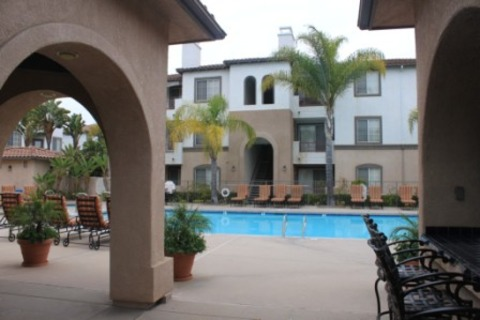 Mission Valley 2 Bedroom Vacation Rental in San Diego - RedAwning