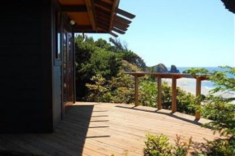 Oregon's Edge Vacation Rental in Seal Rock - RedAwning