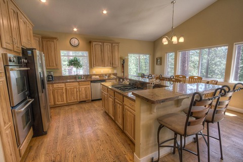 Beautifully Designed 4 Bedroom Home Sleeps 12  Vacation Rental in South Lake Tahoe, CA - RedAwning