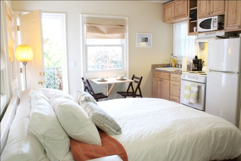 Petite Noe Cottage Vacation Rental in San Francisco - RedAwning