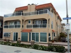 Ocean Front Walk Apartment #45129