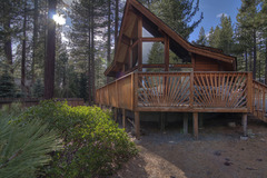 Beautiful Allen Avenue Chalet Sleeps 9 in Incline Village