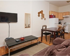 Large Studio Apartment 4A