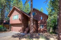 Gorgeous Home Just 10 minutes to Ski Resort